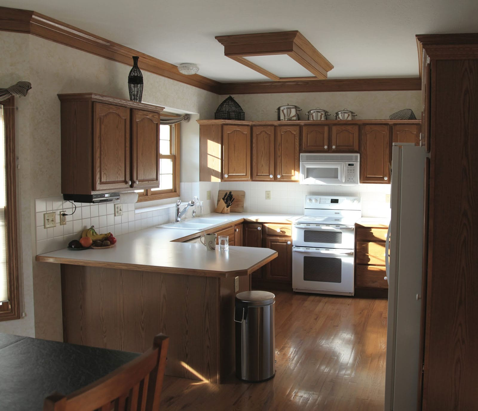 old kitchen in Hicks before refacing