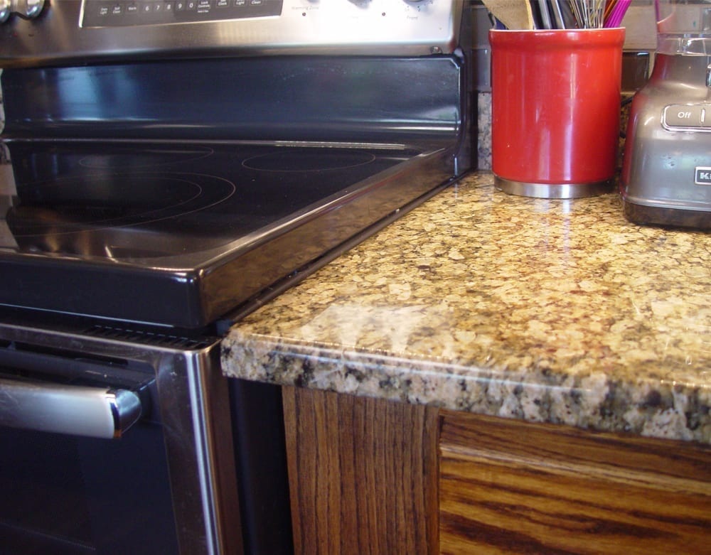 Difference in height between range and countertop